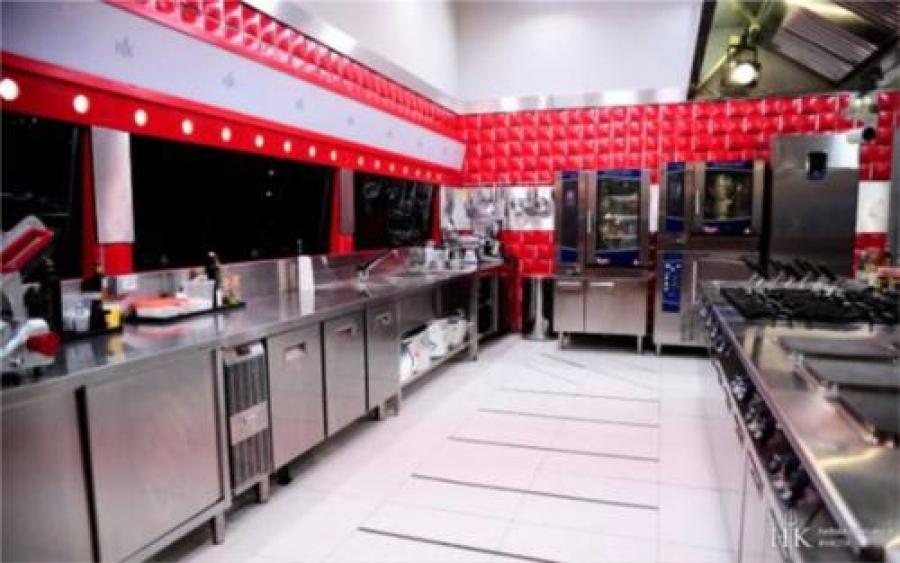 Electrolux Ancora A Braccetto Con Hell S Kitchen Bianco E Bruno Magazine Di Elettrodomestici E Di Elettronica Di Consumo